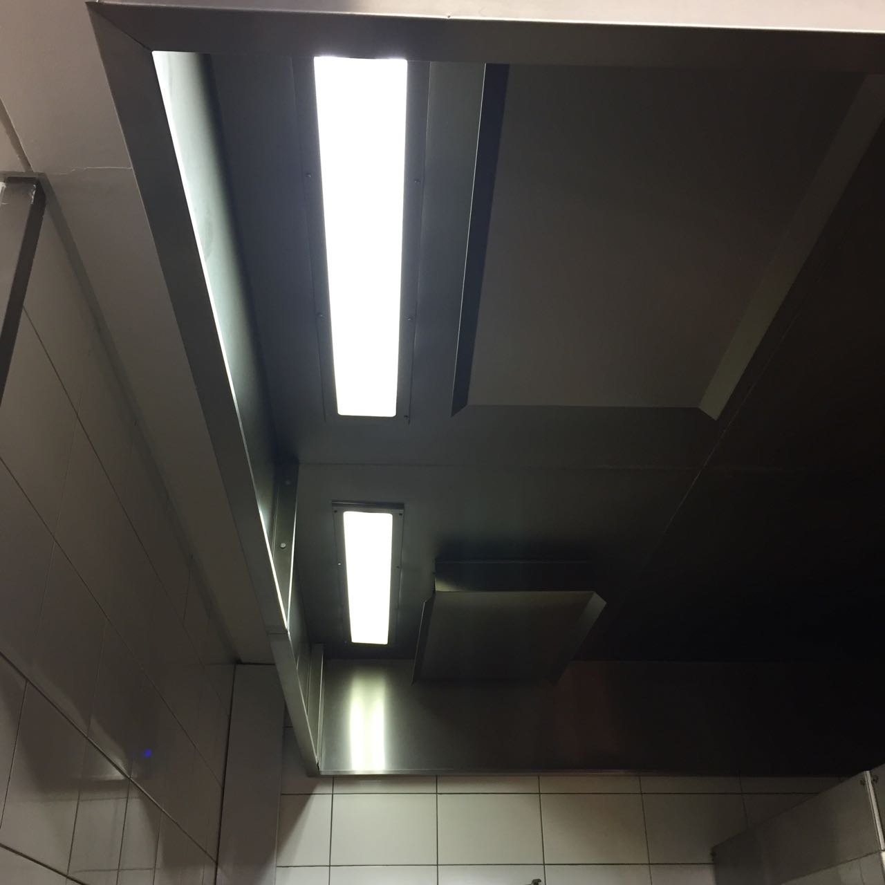 Airvent Airconditioning & Ventilation: Extraction Canopy