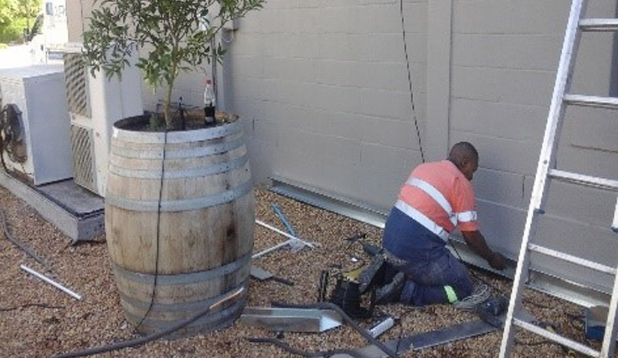 Airvent Airconditioning & Ventiliation: Installation Team 1